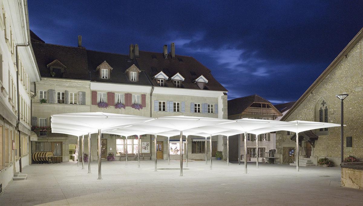 Multifunktionale Dorfplatzüberdachung Avenches