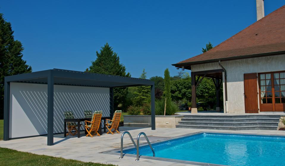 Pergola bioclimatica para terrazas y jardines. Ventux
