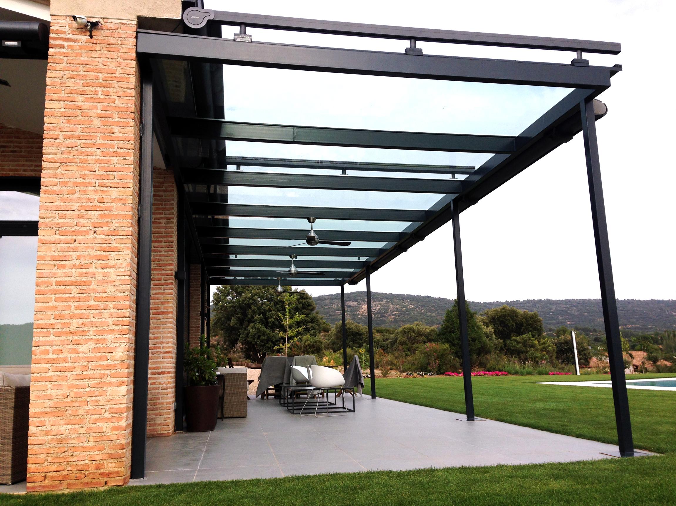 Toldos cofre para dosificar la luz solar ventux exclusive - Estructura metalica vivienda ...