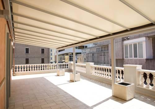 Cerramiento de aluminio para una terraza